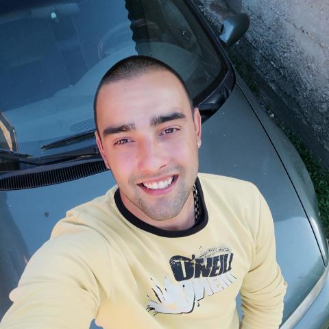 Dániel, 24 éves társkereső férfi - Kistokaj