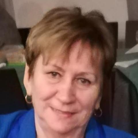 Erzsi, 74 éves társkereső nő - Dunaújváros