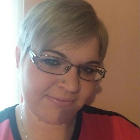 Réka, 26 éves társkereső nő - Majs