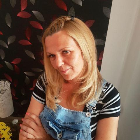 Évi, 40 éves társkereső nő - Zalaegerszeg