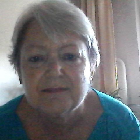 Eszter, 67 éves társkereső nő - Debrecen