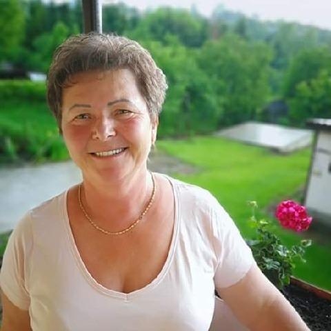 Saci, 64 éves társkereső nő - Mályinka