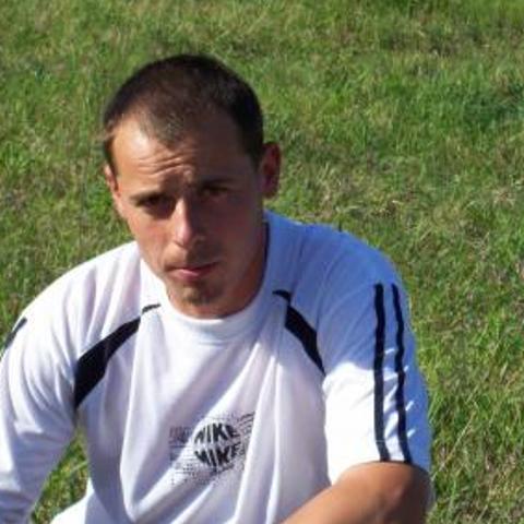Zsolt, 44 éves társkereső férfi - Becske