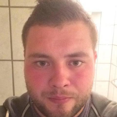 Bálint, 28 éves társkereső férfi - Várdomb