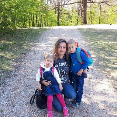Enikő, 35 éves társkereső nő - Miskolc