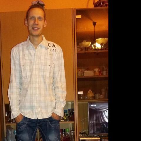 Ádám, 28 éves társkereső férfi - Zalaszentgrót