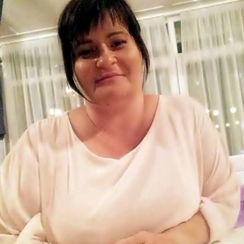 Szilvia, 47 éves társkereső nő - Esztergom