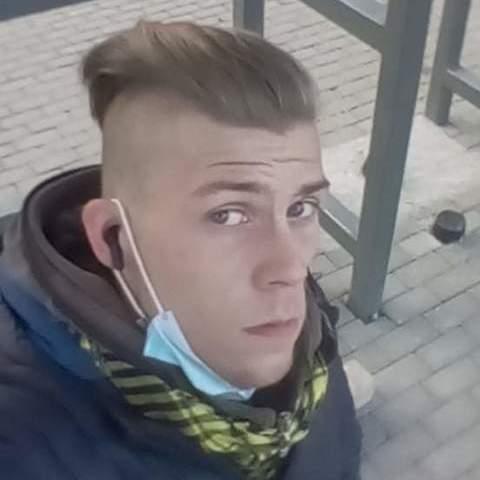 Balazs, 22 éves társkereső férfi - Pusztaszabolcs