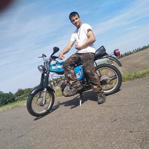 Dávid, 18 éves társkereső férfi - Békés
