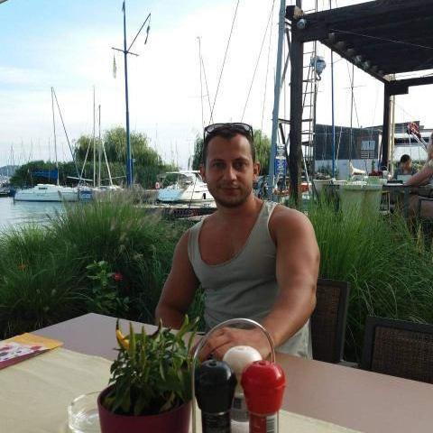 Péter, 32 éves társkereső férfi - Taksony