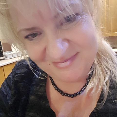 Lilla, 57 éves társkereső nő - Budaörs