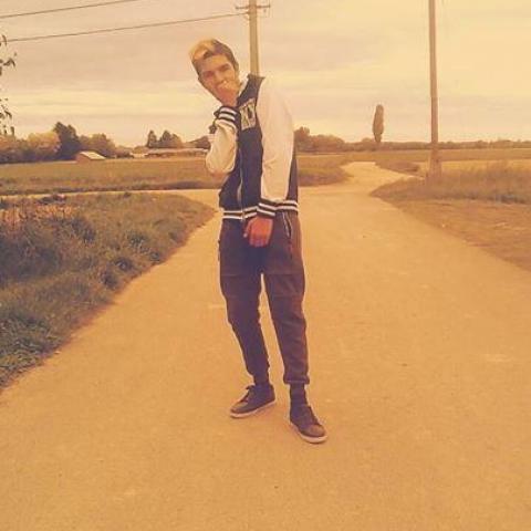 Tibor, 17 éves társkereső férfi - Letenye