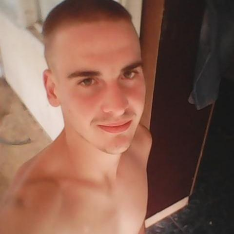 Alex, 25 éves társkereső férfi - Balatongyörök