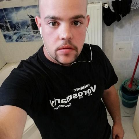 Roland, 28 éves társkereső férfi - Miskolc
