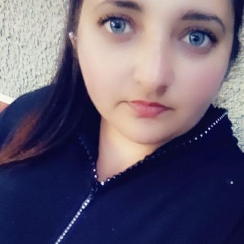 Heni, 23 éves társkereső nő - Kevermes