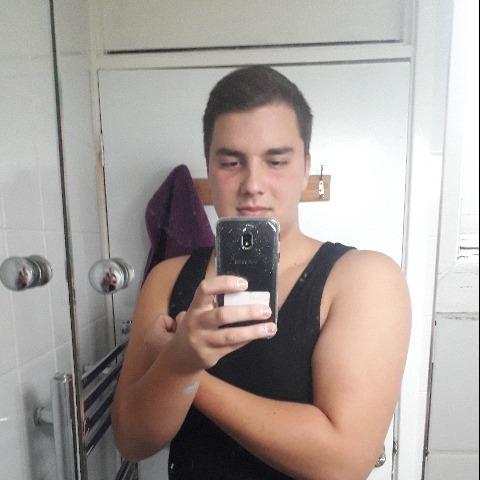 Zsolt, 20 éves társkereső férfi - Fehérgyarmat