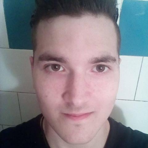 Erik, 25 éves társkereső férfi - Salgótarján