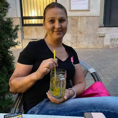 Zsuzsu , 42 éves társkereső nő - Miskolc