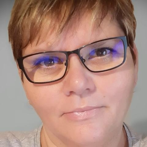 Zsóka, 47 éves társkereső nő - Miskolc