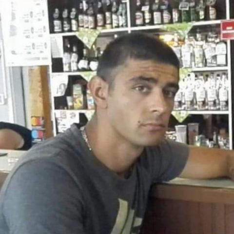 Krisztián, 27 éves társkereső férfi - Csécse