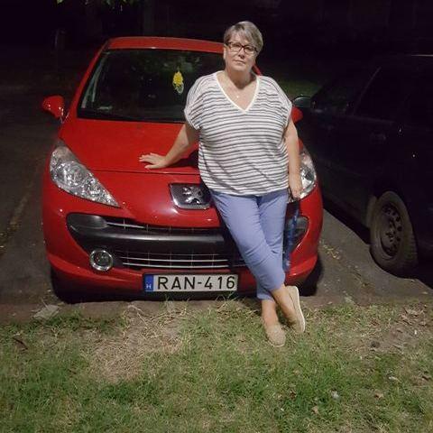 Szilvia, 50 éves társkereső nő - Dunaújváros