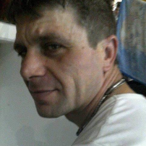Károly, 40 éves társkereső férfi - Attala