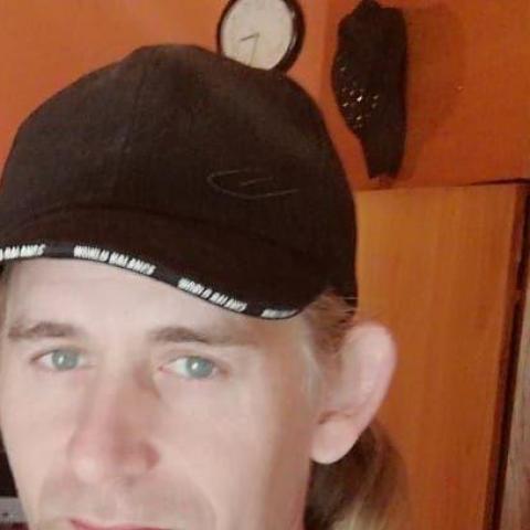 Viktor, 40 éves társkereső férfi - Pécs
