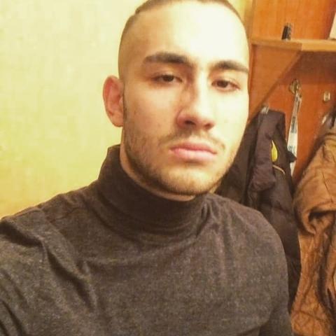 László, 21 éves társkereső férfi - Debrecen