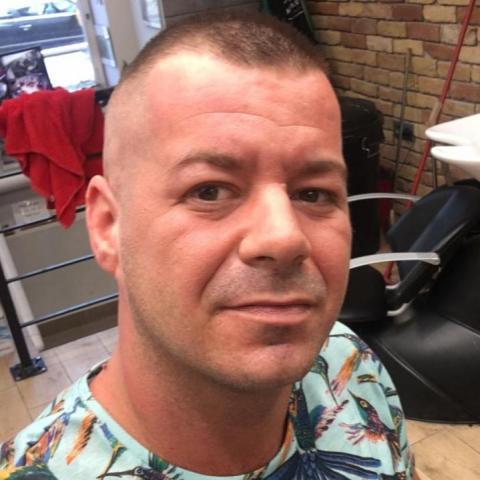 Tibor, 37 éves társkereső férfi - Miskolc