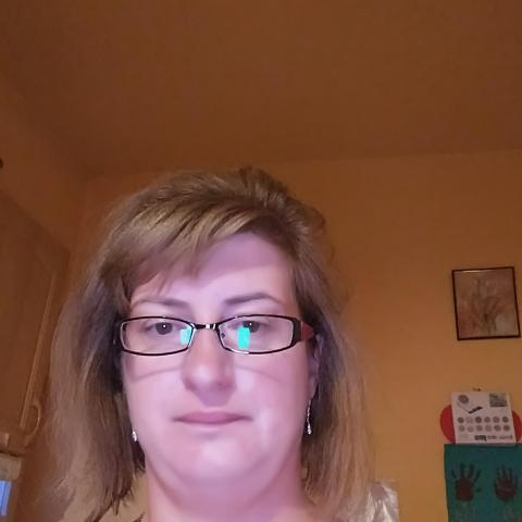 Krisztina, 41 éves társkereső nő - Miskolc