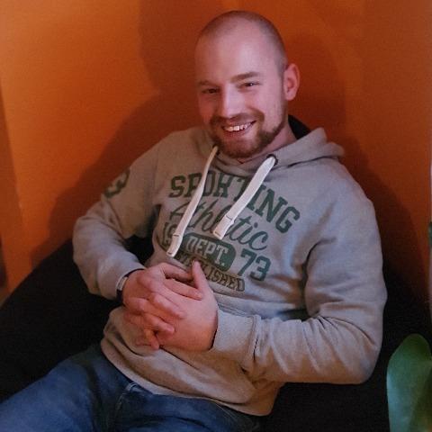 Robi, 28 éves társkereső férfi - Szekszárd
