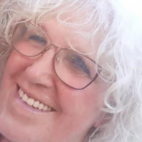 Ilona, 72 éves társkereső nő - Tatabánya