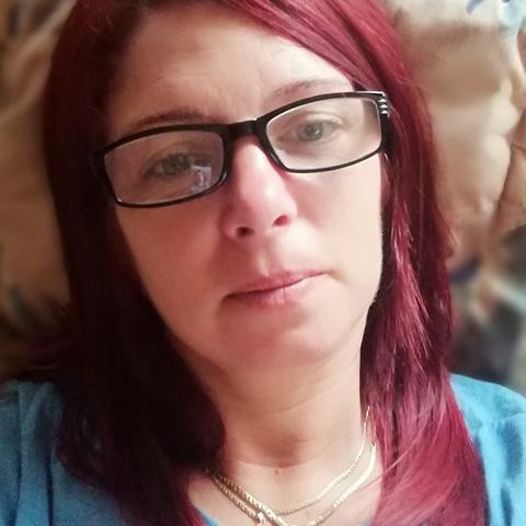Böbe , 45 éves társkereső nő - Miskolc