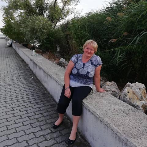 Ibi, 58 éves társkereső nő - Csévharaszt