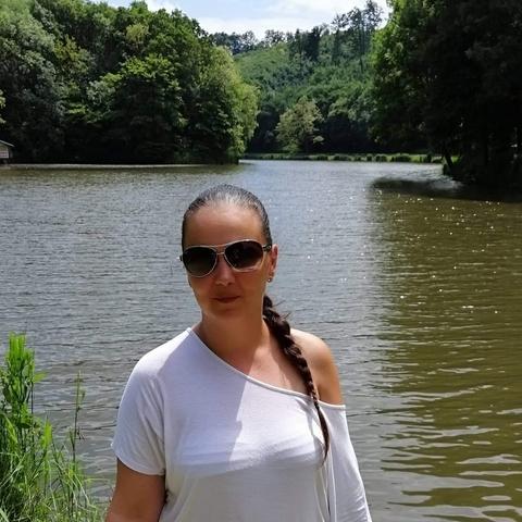 Léna, 34 éves társkereső nő - Salgótarján