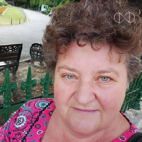 Emese, 57 éves társkereső nő - Szekelyhid