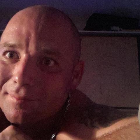 Lufi, 46 éves társkereső férfi -