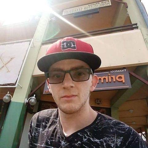 Mihály, 27 éves társkereső férfi - Sényő