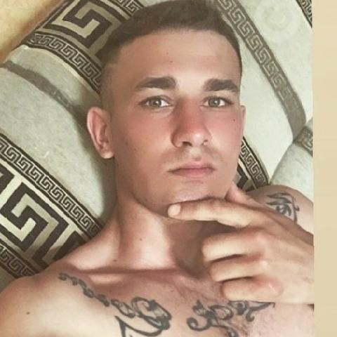 Ricsi, 21 éves társkereső férfi - Nyáregyháza