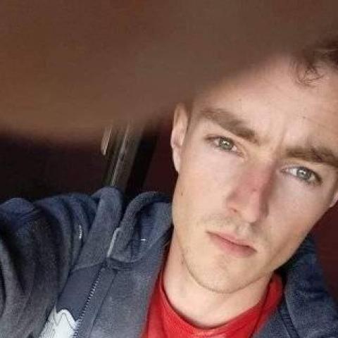 Mihály, 23 éves társkereső férfi - Miskolc