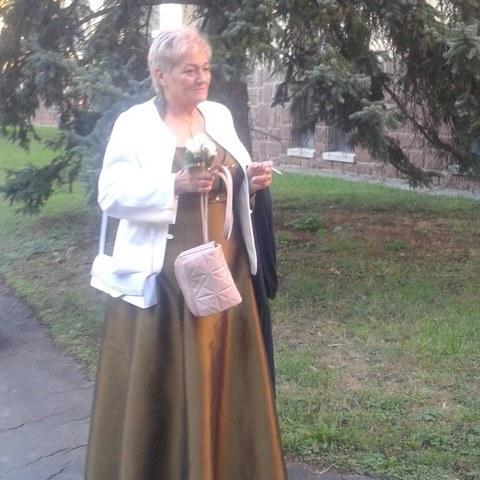 Emőke, 66 éves társkereső nő - Dunakeszi