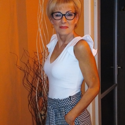 Judit, 55 éves társkereső nő - Nyíregyháza