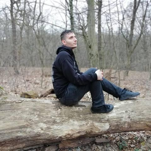 Ádám, 26 éves társkereső férfi - Egyek