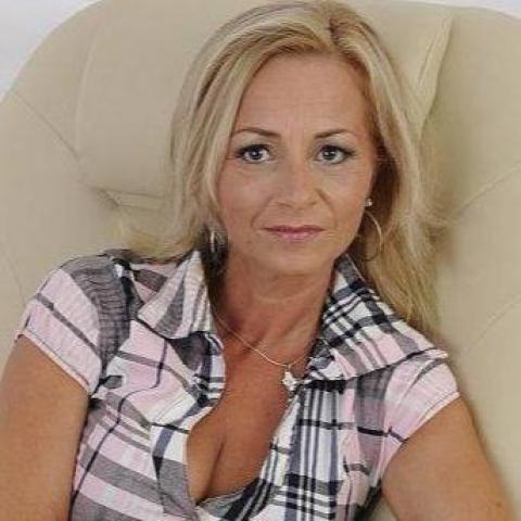 Krisztina, 51 éves társkereső nő - Győr