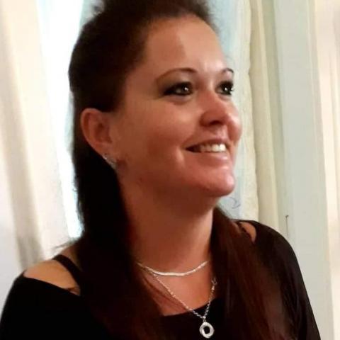 Tubi, 37 éves társkereső nő - Budapest