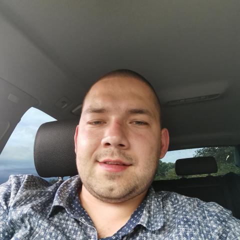 Norbi, 28 éves társkereső férfi - Komárno