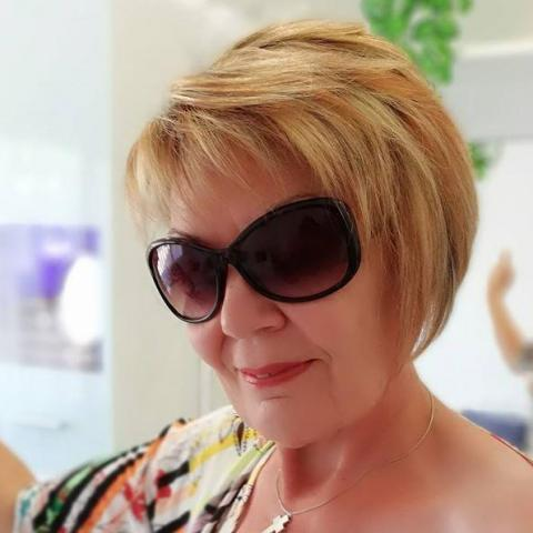 Irisz, 64 éves társkereső nő - Szekszárd