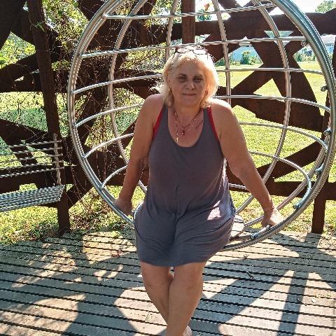 Évi, 60 éves társkereső nő - Székesfehérvár