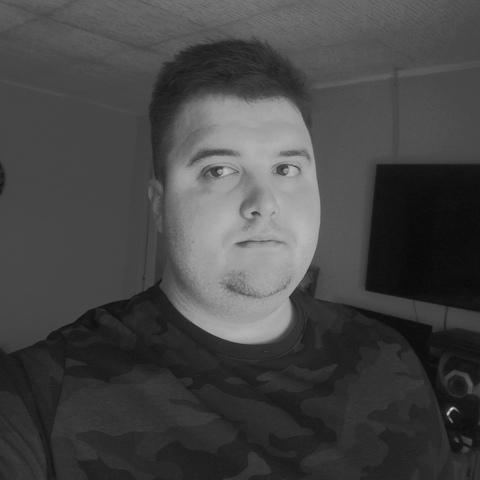 Zsolt, 26 éves társkereső férfi - Valkó