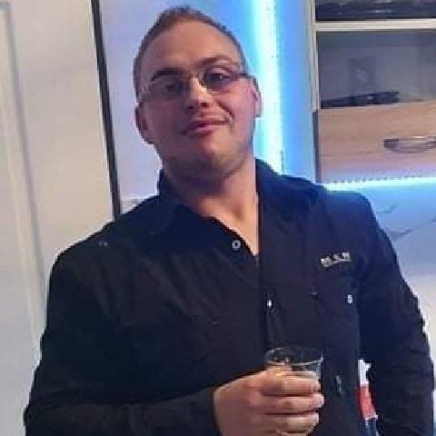 Richárd, 24 éves társkereső férfi - Zalavár